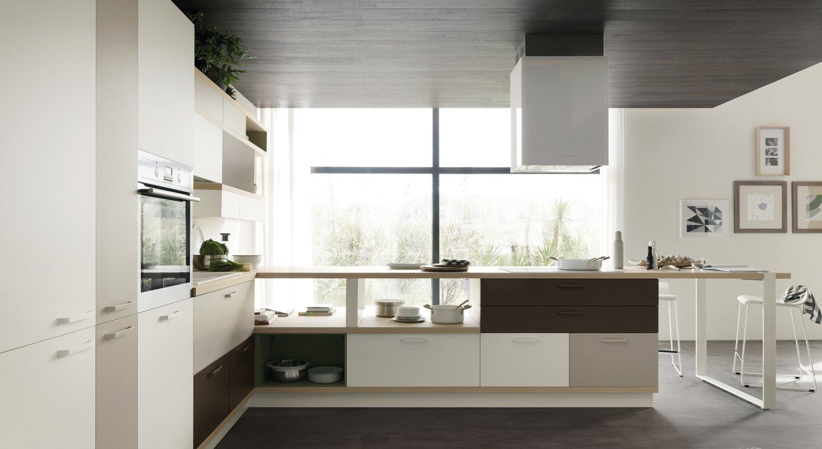 Protagonista Di Foodshelf Di Scavolini è La Penisola In Laminato  #675D4E 1600 875 Immagini Di Cucine In Muratura Moderne