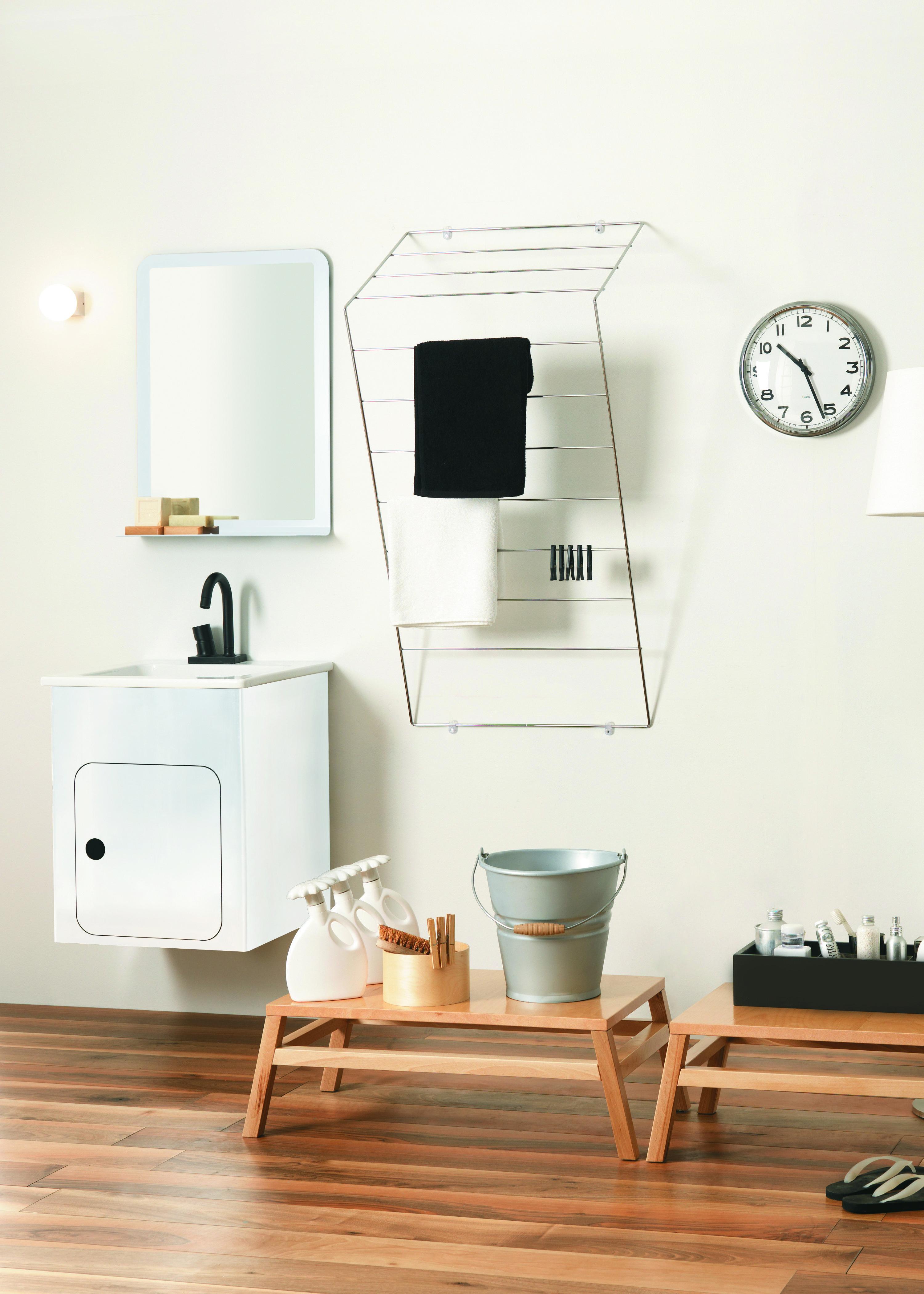 Per bagno o lavanderia soluzioni per stendere in casa for Fili per stendere