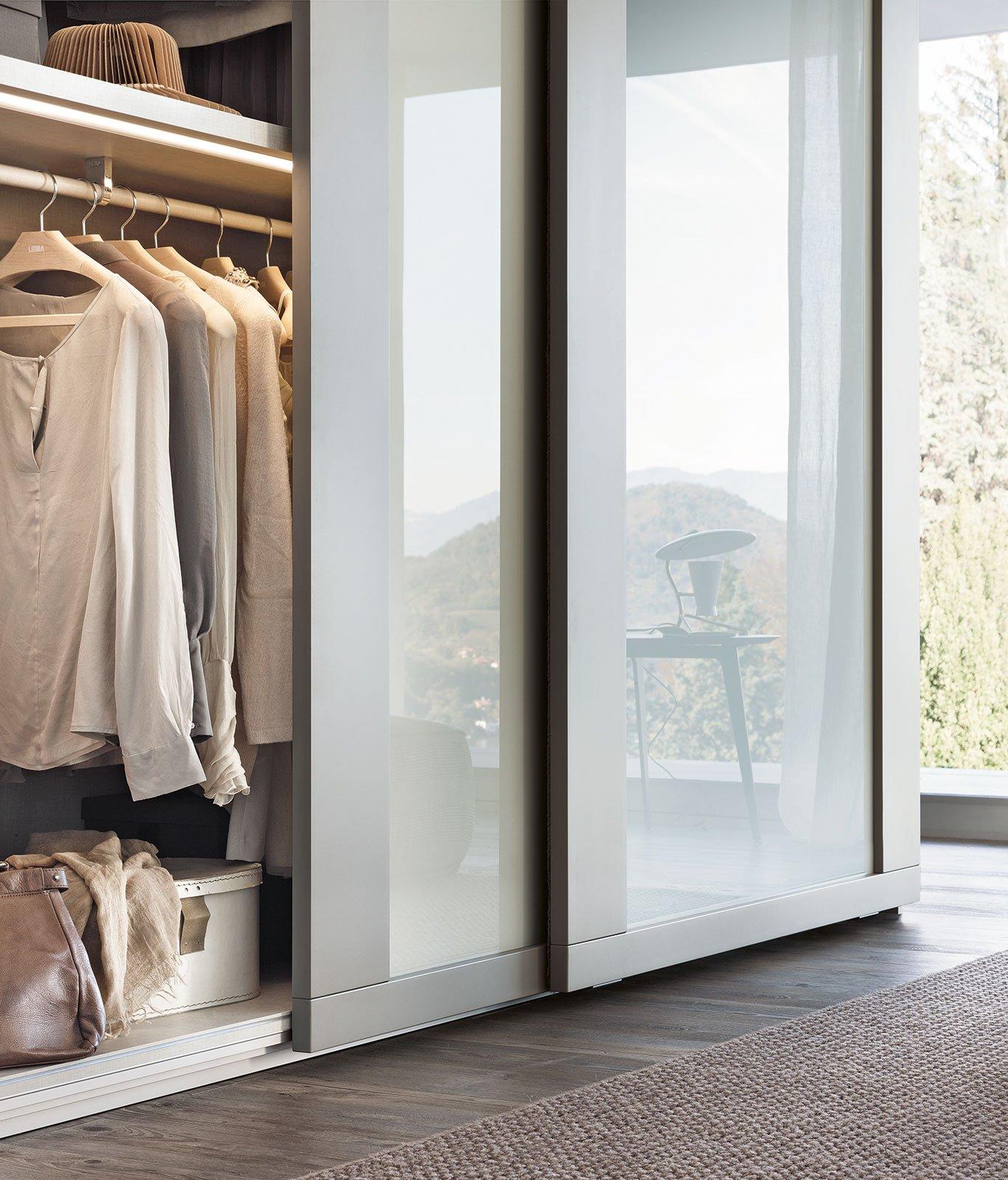 Tendenze: metallo e vetro per gli armadi e le librerie Lema - Cose di Casa