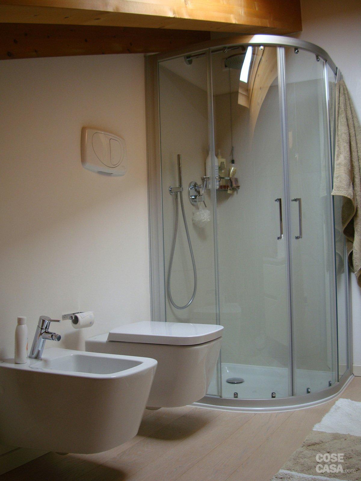 120 mq su due piani con mansarda cose di casa for Vecchi piani colonica con foto