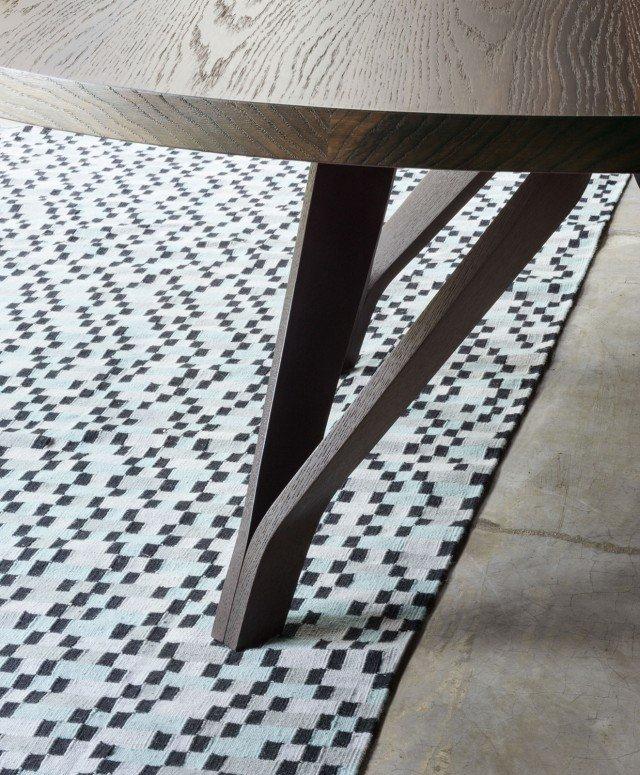 foto7_Rovere-termotrattato---Lema---Tavolo-Wow---Design-Toan-Nguyen-(b)