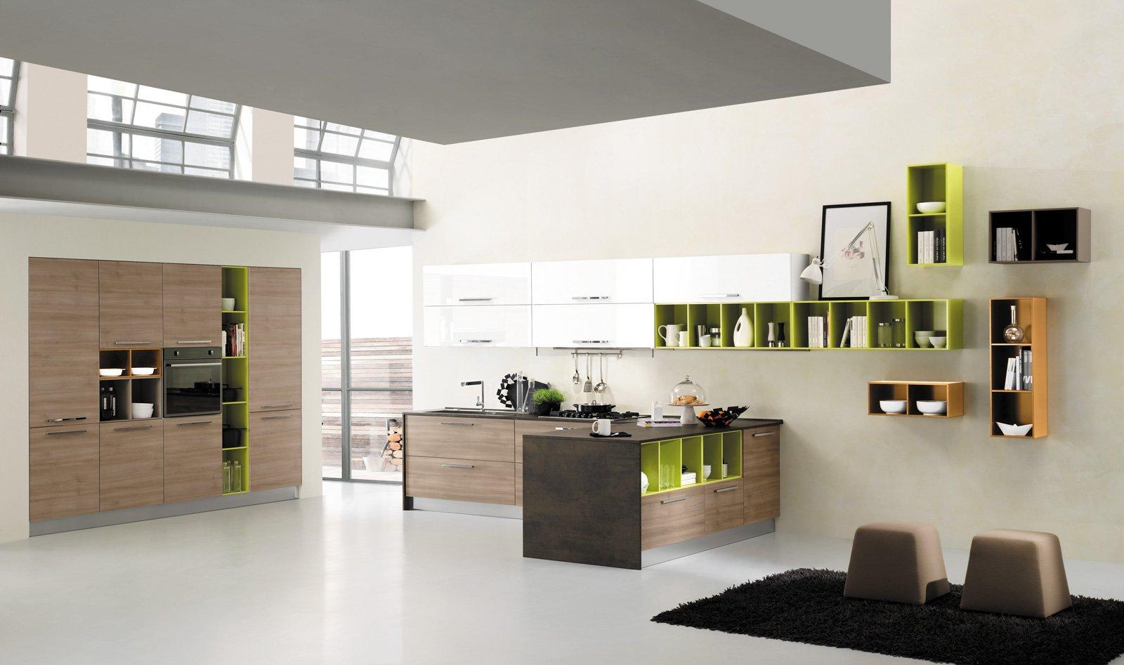 Cucine con elementi colorati: mensole, vani a giorno ...