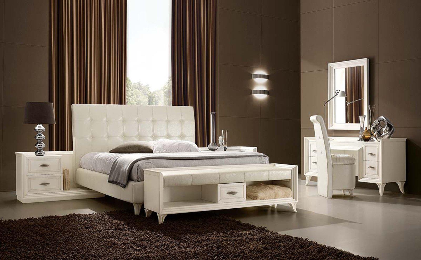 Panche per il soggiorno o per la camera cose di casa - Come mettere i cuscini sul letto ...