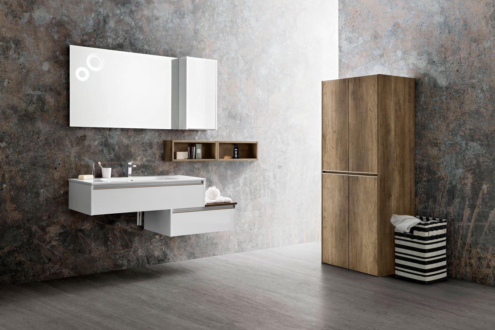 Specchi sopra il lavabo cose di casa for Mensole x bagno