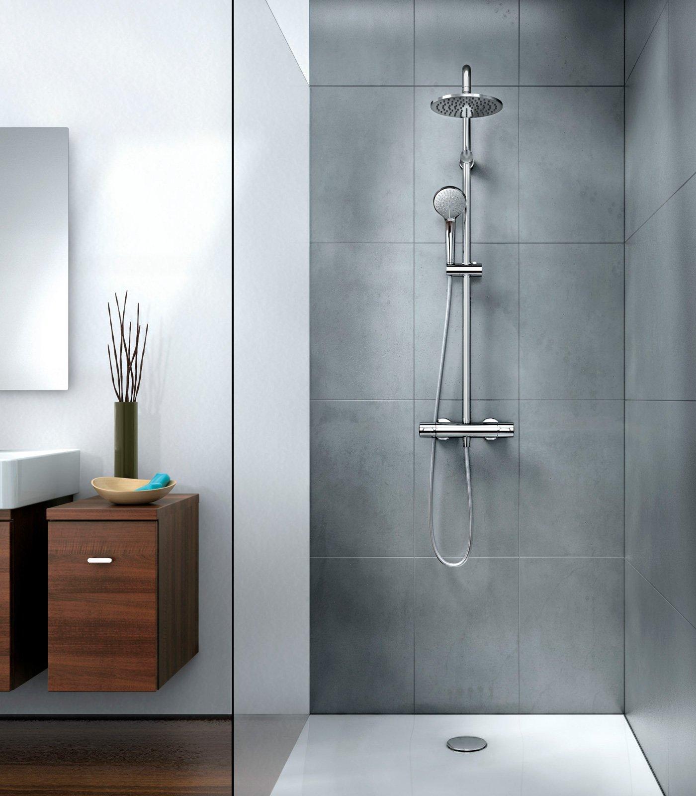 Gruppo doccia soffioni e doccette una coppia per il - Foto di bagni con doccia ...