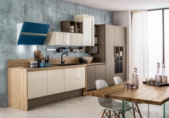 Cucine in colori ed essenze soft cose di casa - Verniciare ante cucina laminato ...