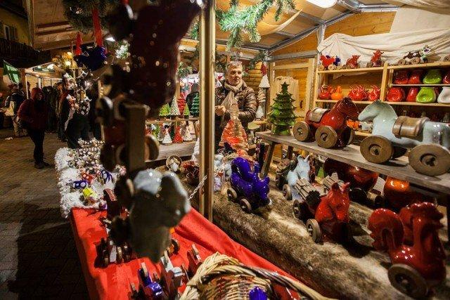 5) Mercatino Natale Aosta - foto Moreno Vignolini 12308462_1087871597890744_6285356479132268137_n