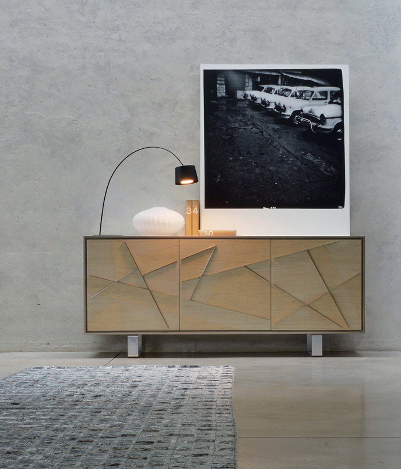 Mobile basso per il soggiorno la madia contemporanea for Piccoli piani di casa in metallo