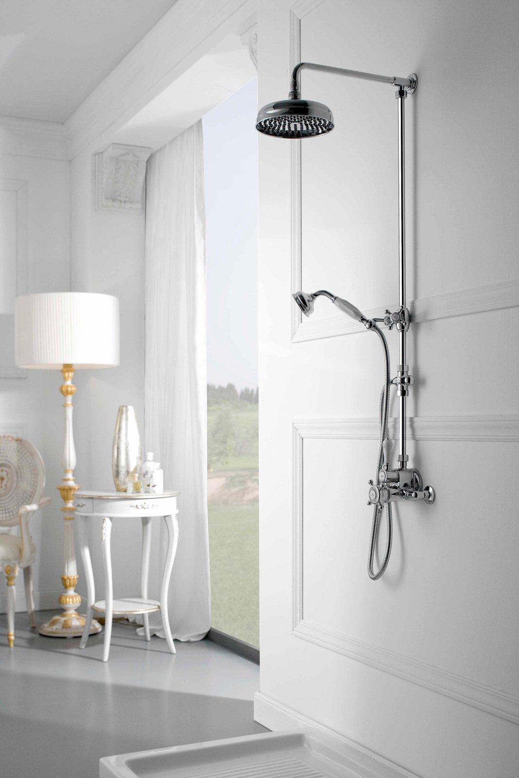 Gruppo doccia soffioni e doccette una coppia per il - Altezza soffione doccia ...