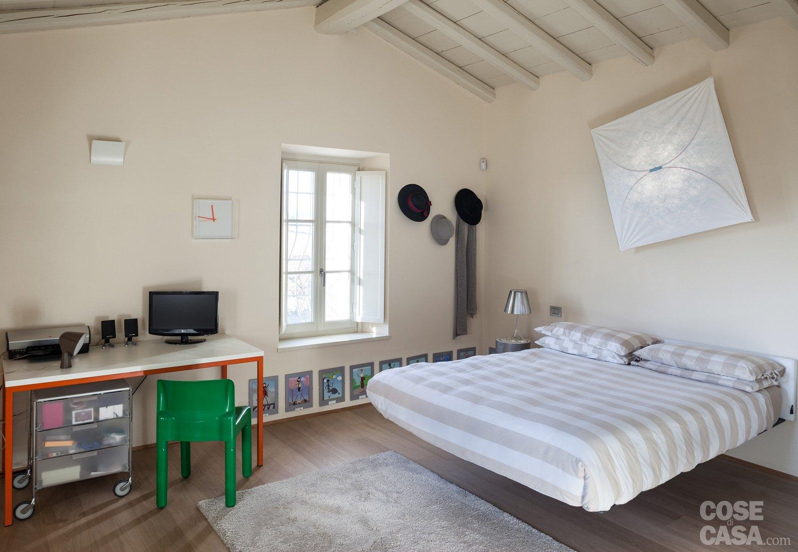 Letto Rustico Una Piazza E Mezza : Una casa con ambienti moderni a sfondo rustico cose di casa