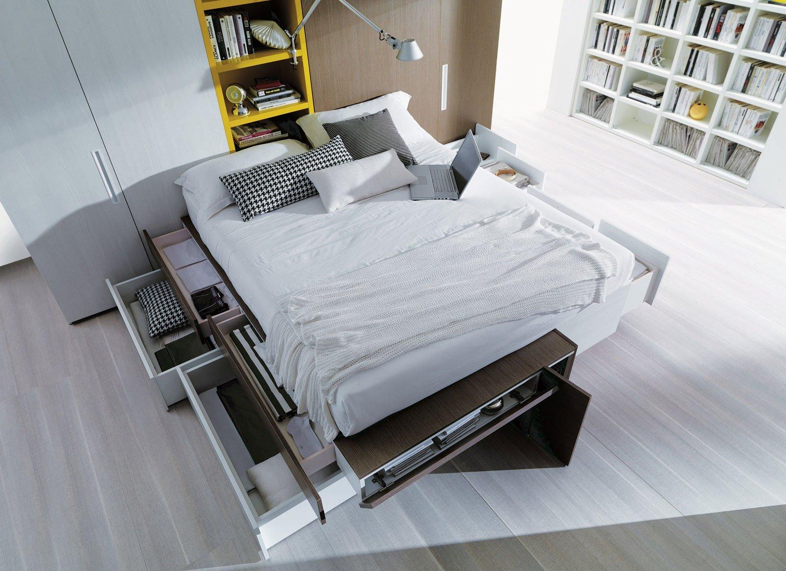 Mobili e accessori salvaspazio per la camera da letto for Letto rialzato ikea