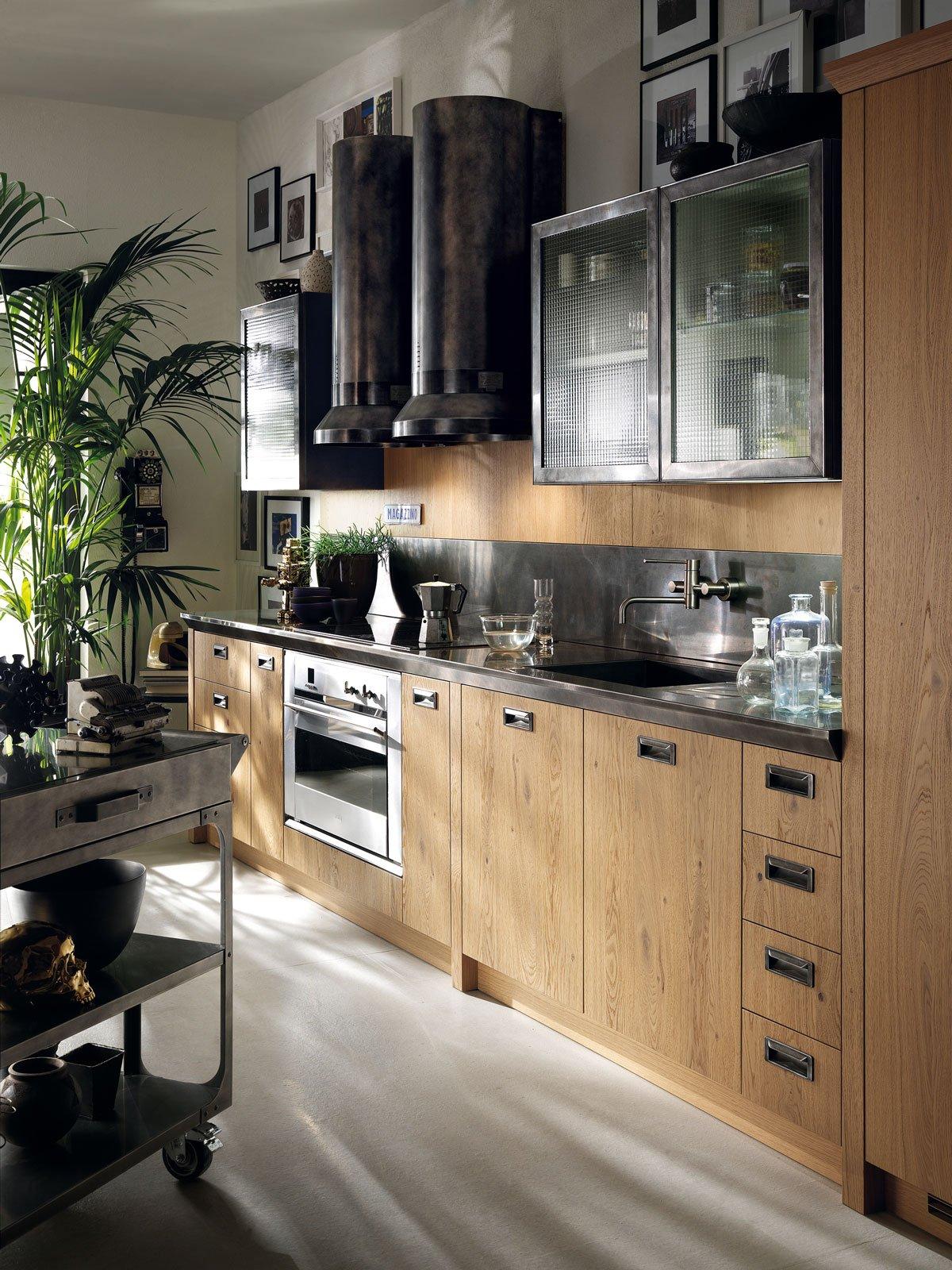 Cucine con cappa decorativa cose di casa - Mobili stile industriale usati ...