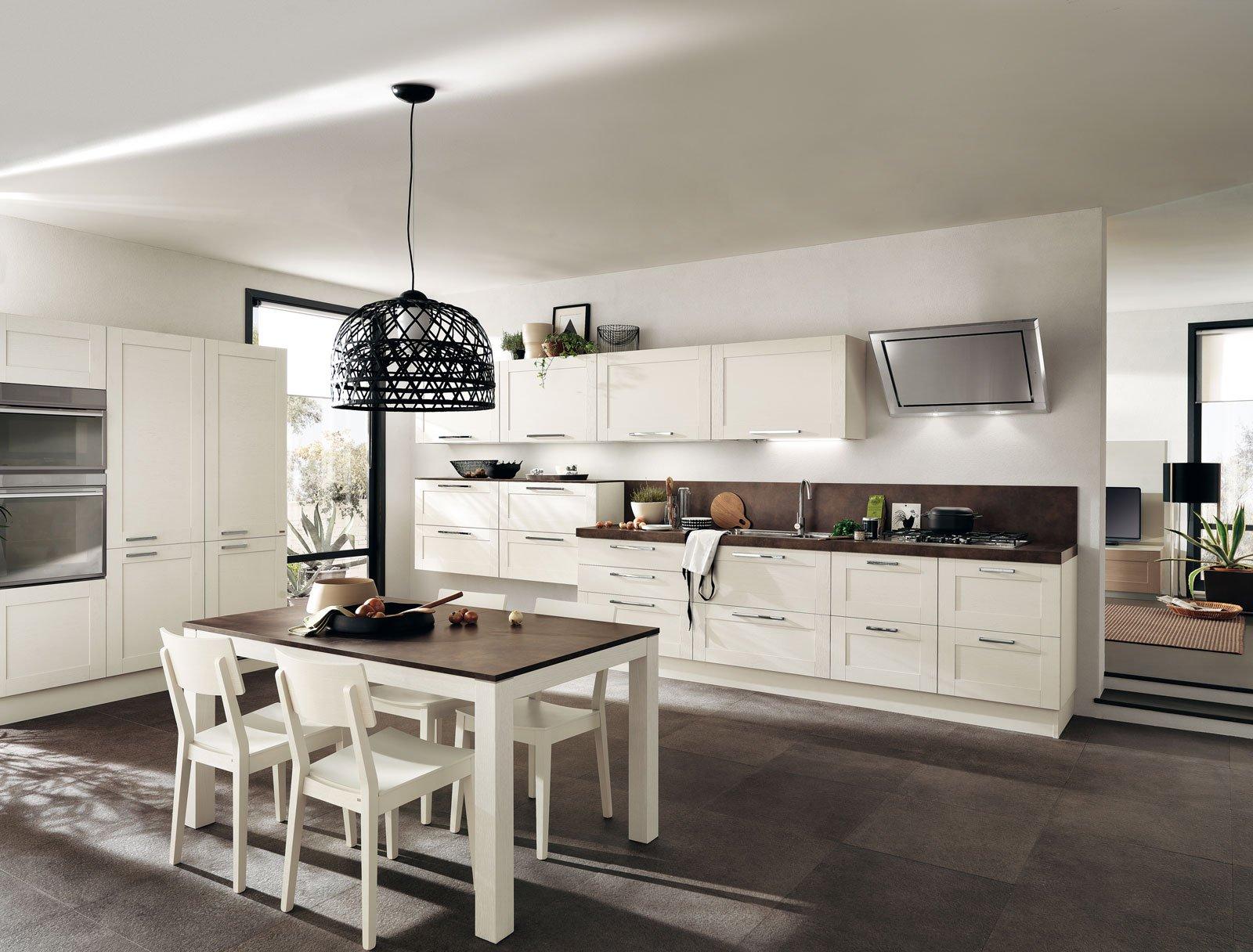 Cucine in legno tradizionali country o moderne cose di for Piani di casa tradizionali