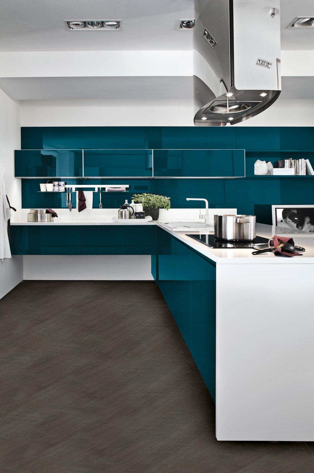 Cucine con cappa decorativa cose di casa - Cucina con cappa a vista ...