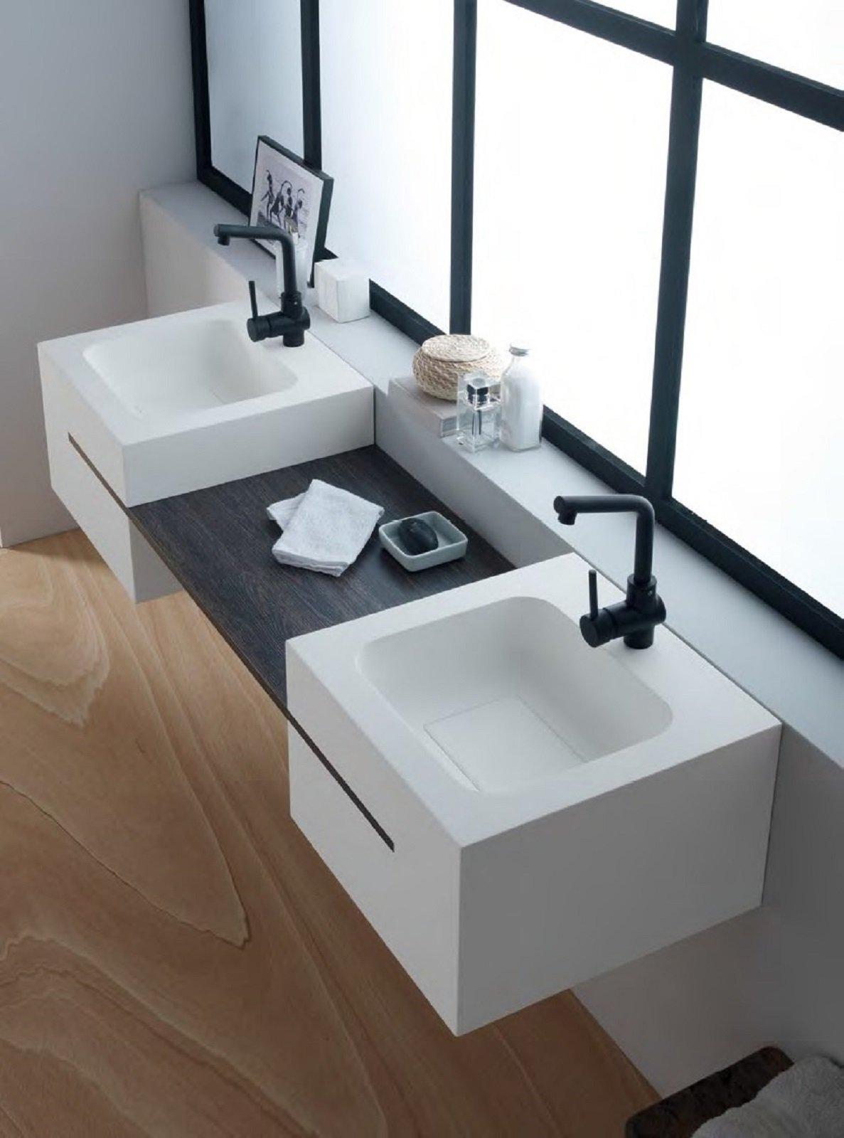 Mensole e piani d 39 appoggio per il lavabo cose di casa for Moderni piani di casa eco