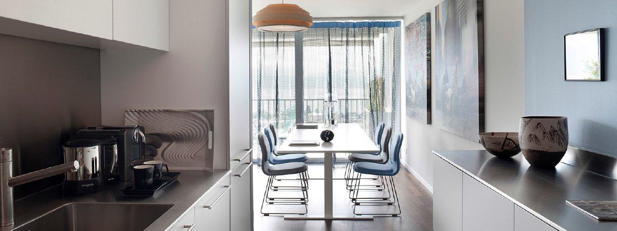 Bilocale con spazi extra luminosi guarda il video della for Progettare gli interni di casa