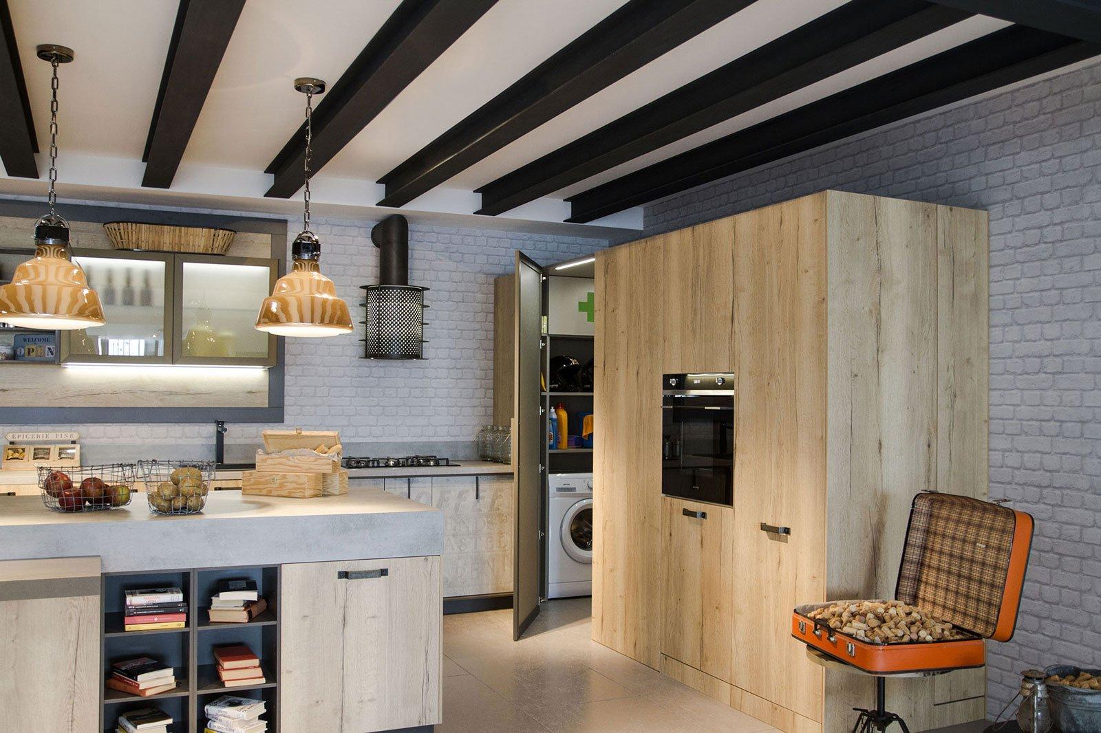 Armadiature a colonna per cucine trendy e funzionali - Cucine per loft ...