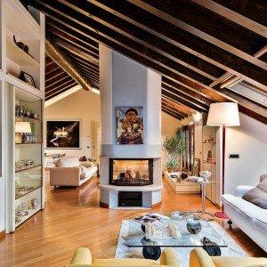 Un sottotetto con personalit eclettica cose di casa for Casa in stile ranch con portico