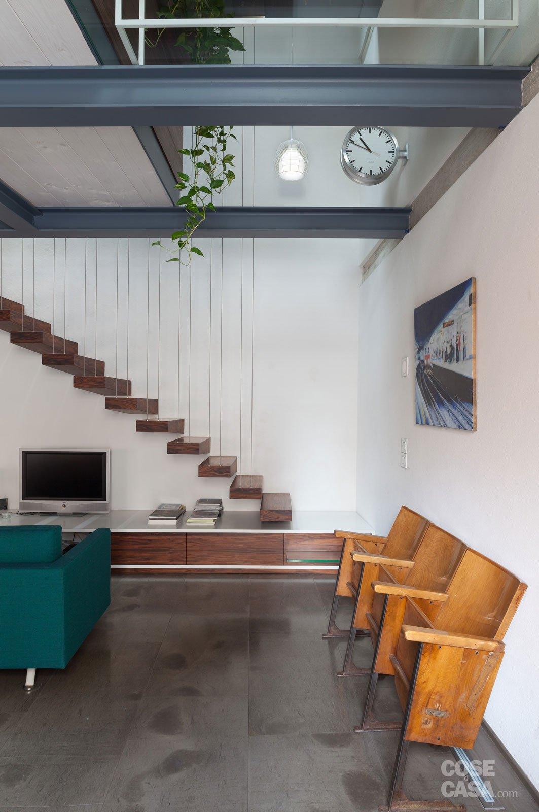 83 mq una mansarda con volumi sovrapposti cose di casa for Piani di casa porte cochere