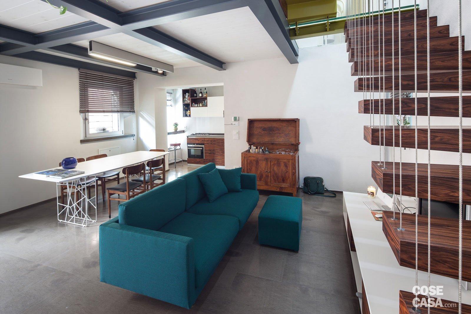 83 mq una mansarda con volumi sovrapposti cose di casa for Piani di casa open space