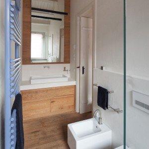 83 mq una mansarda con volumi sovrapposti cose di casa - Finestra a tre aperture ...