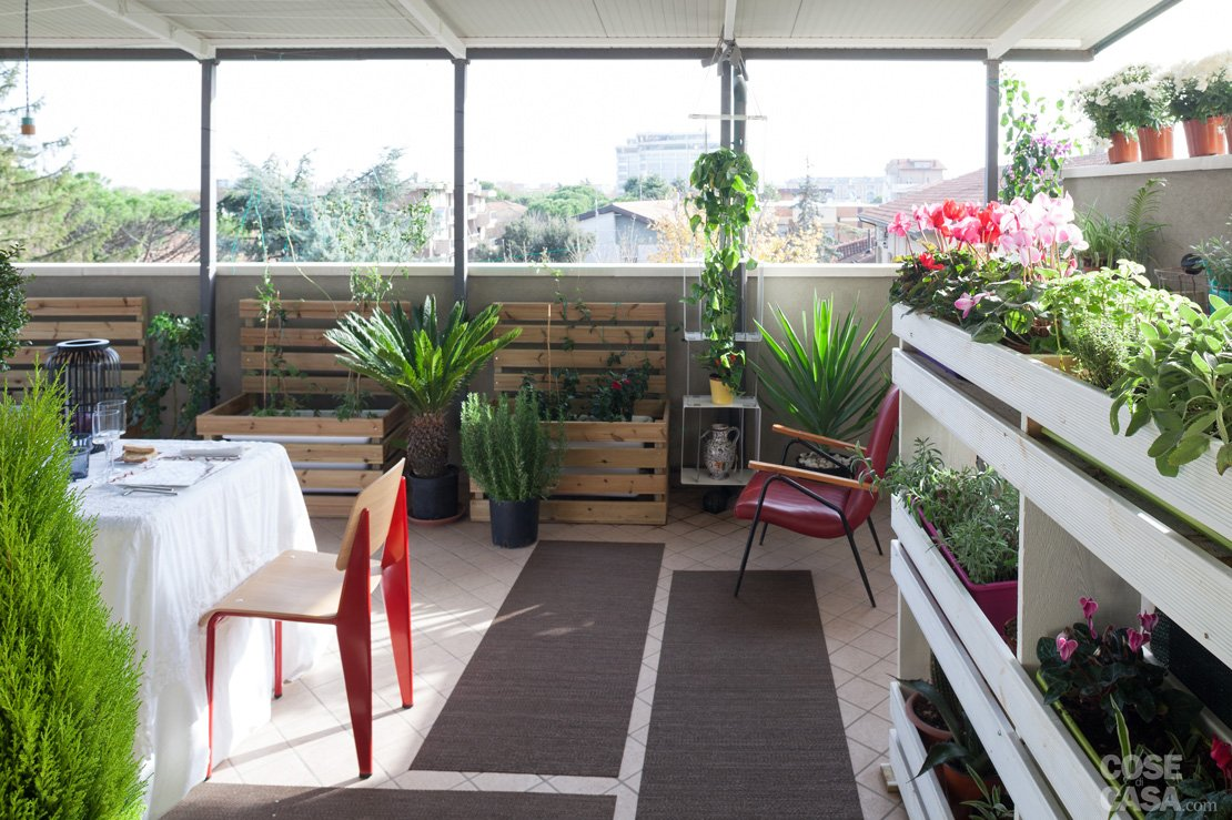 La cassetta in legno fai da te da usare come portavasi for Portavasi da balcone regolabili