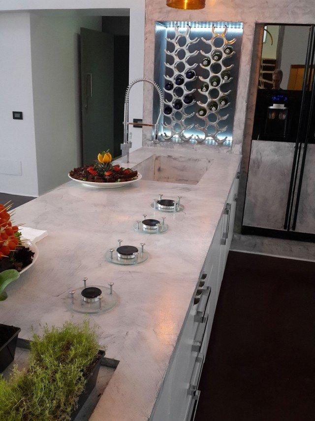 Resina rivestimenti per pavimenti pareti piani di - Piani cucina cemento ...