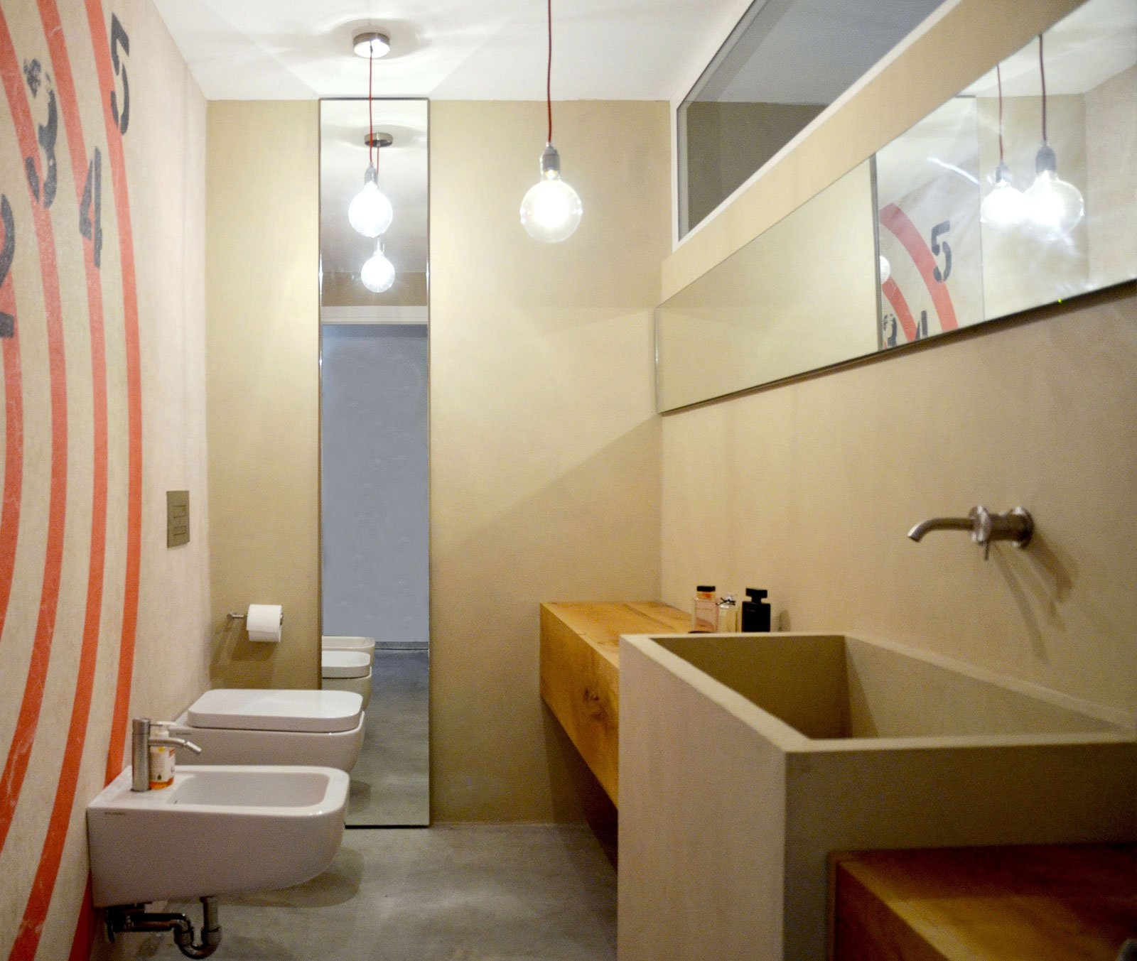 Resina rivestimenti per pavimenti pareti piani di - Pavimenti in resina bagno ...