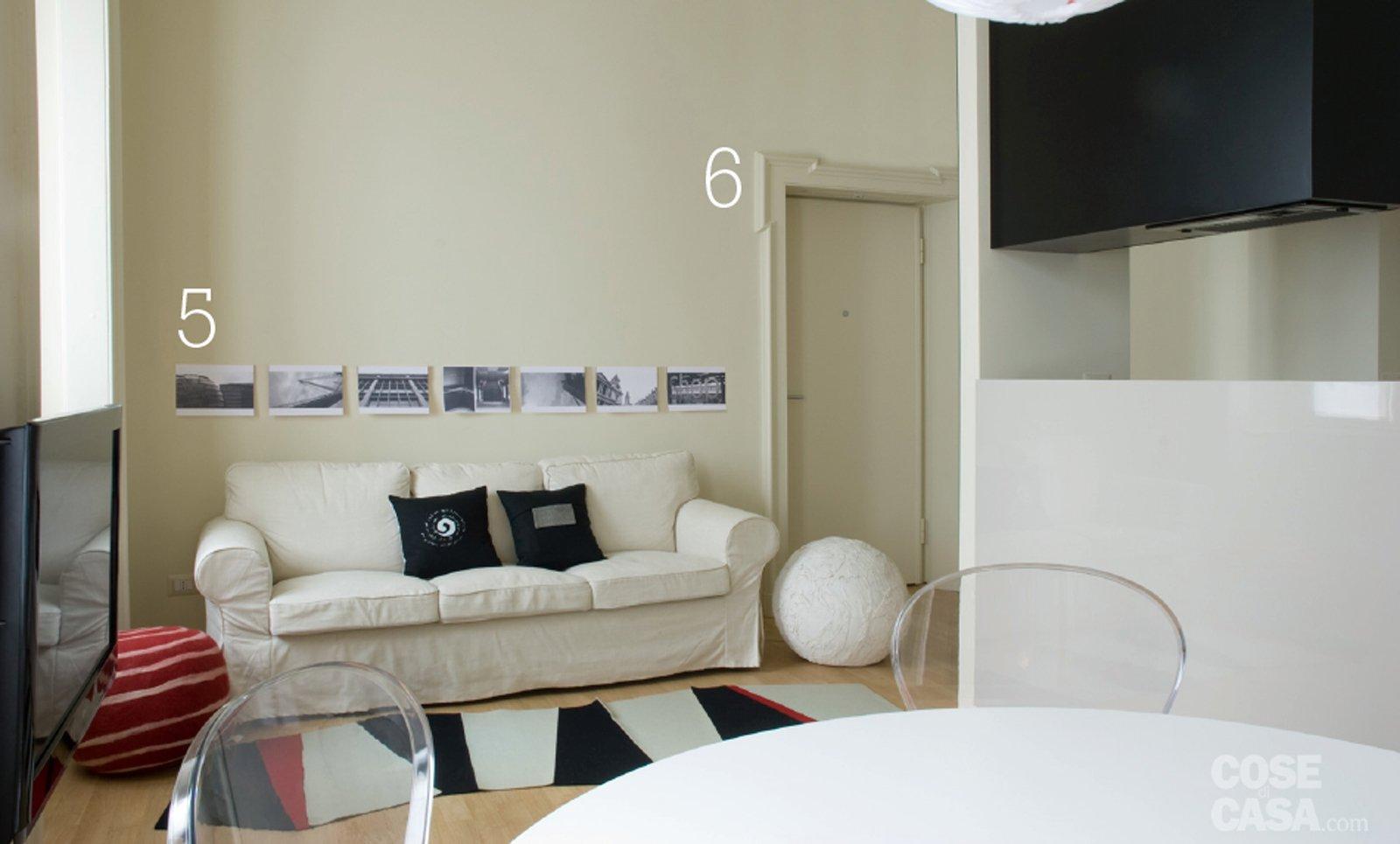 15 idee che risolvono per una casa di 44 mq tutta da copiare cose di casa - Altezza quadri sopra divano ...