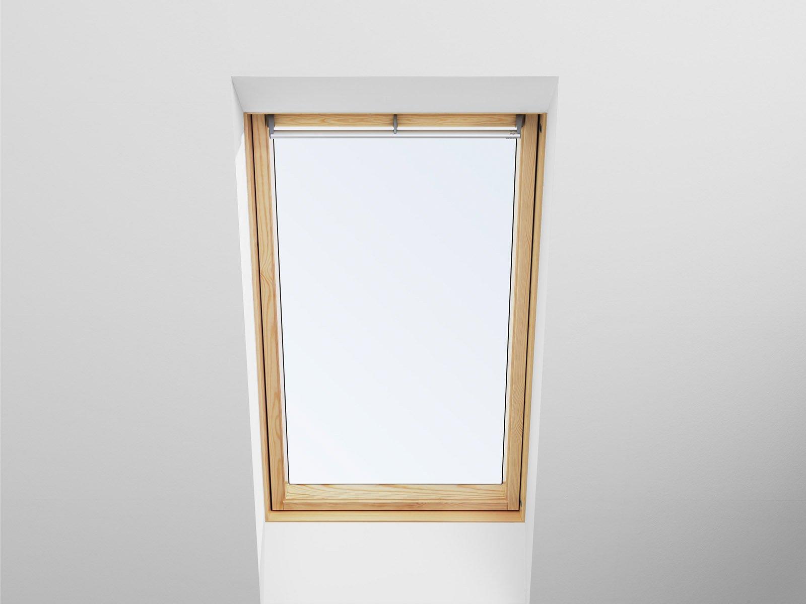 Casa sicura con tetto e finestra a prova di infiltrazioni - Dimensioni finestre velux ...