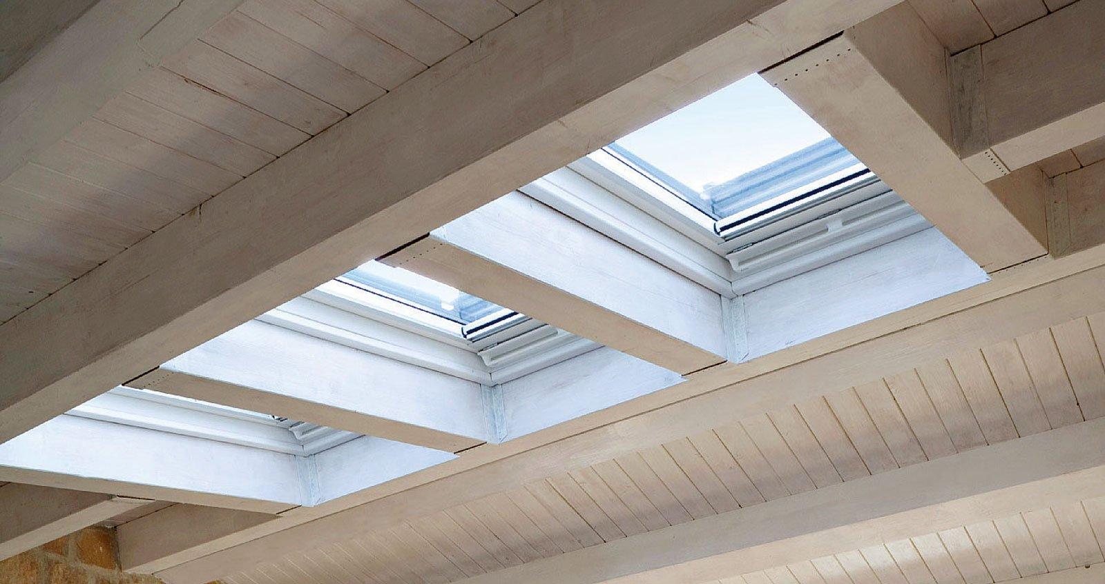Per la mansarda finestre per tetti intelligenti for Finestre per tetto