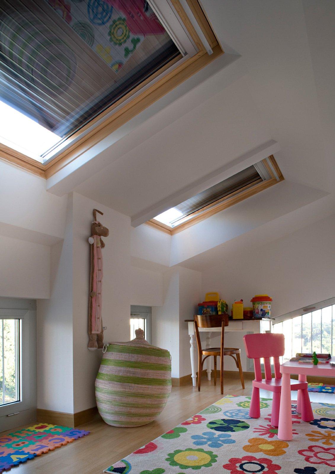 90 mq ambienti moltiplicati nell 39 attico con vista mare for Tapparelle per velux