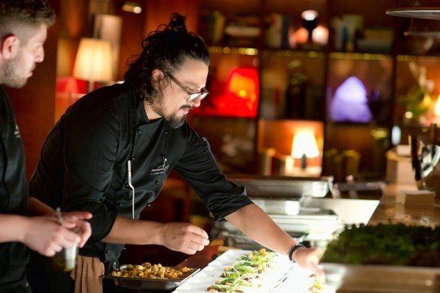 Lo chef Alessandro Borghese protagonista del live cooking presso lo showroom Febal casa, in collaborazione con Beko Italy
