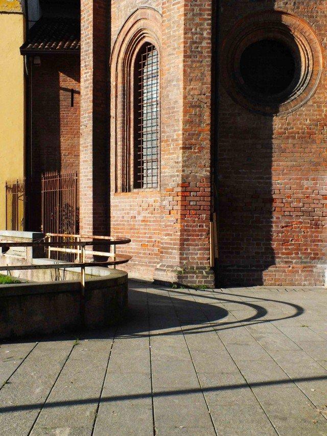Un particolare di via Santa Maria Podone in piazza Borromeo, una delle vie appartenenti al distretto 5vie+Art