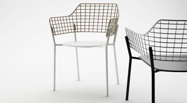 10-emu-LYZE_armchair