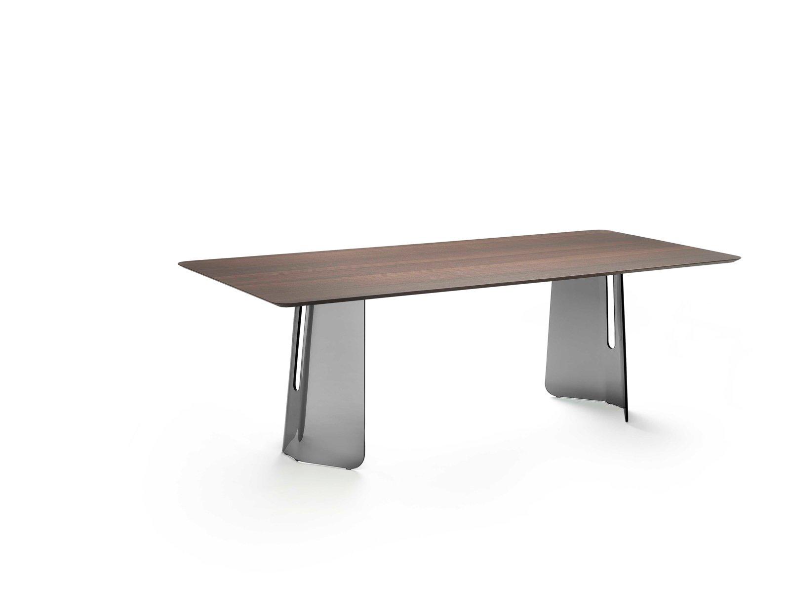 best pli di fiam italia il nuovo tavolo posto da due grandi basi scultoree in vetro with dimensioni tavoli da cucina