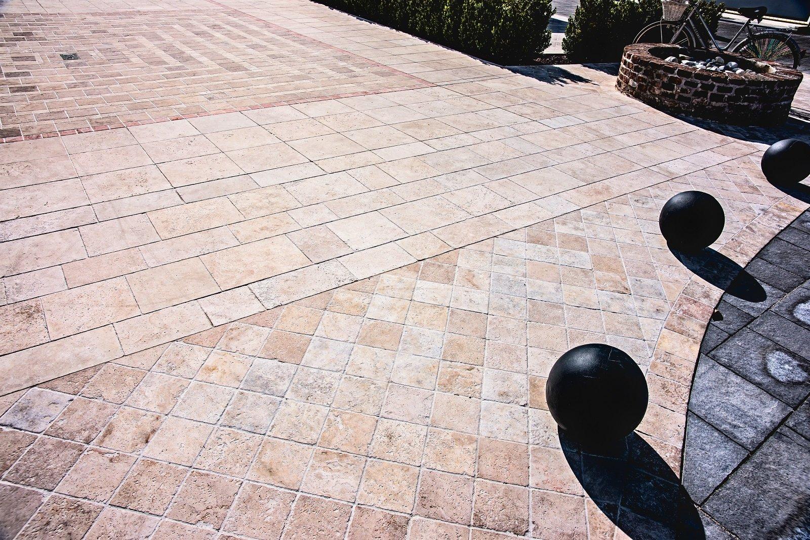 Pavimentazioni esterne piastrelle di piccolo o grande - Piastrelle da esterno leroy merlin ...