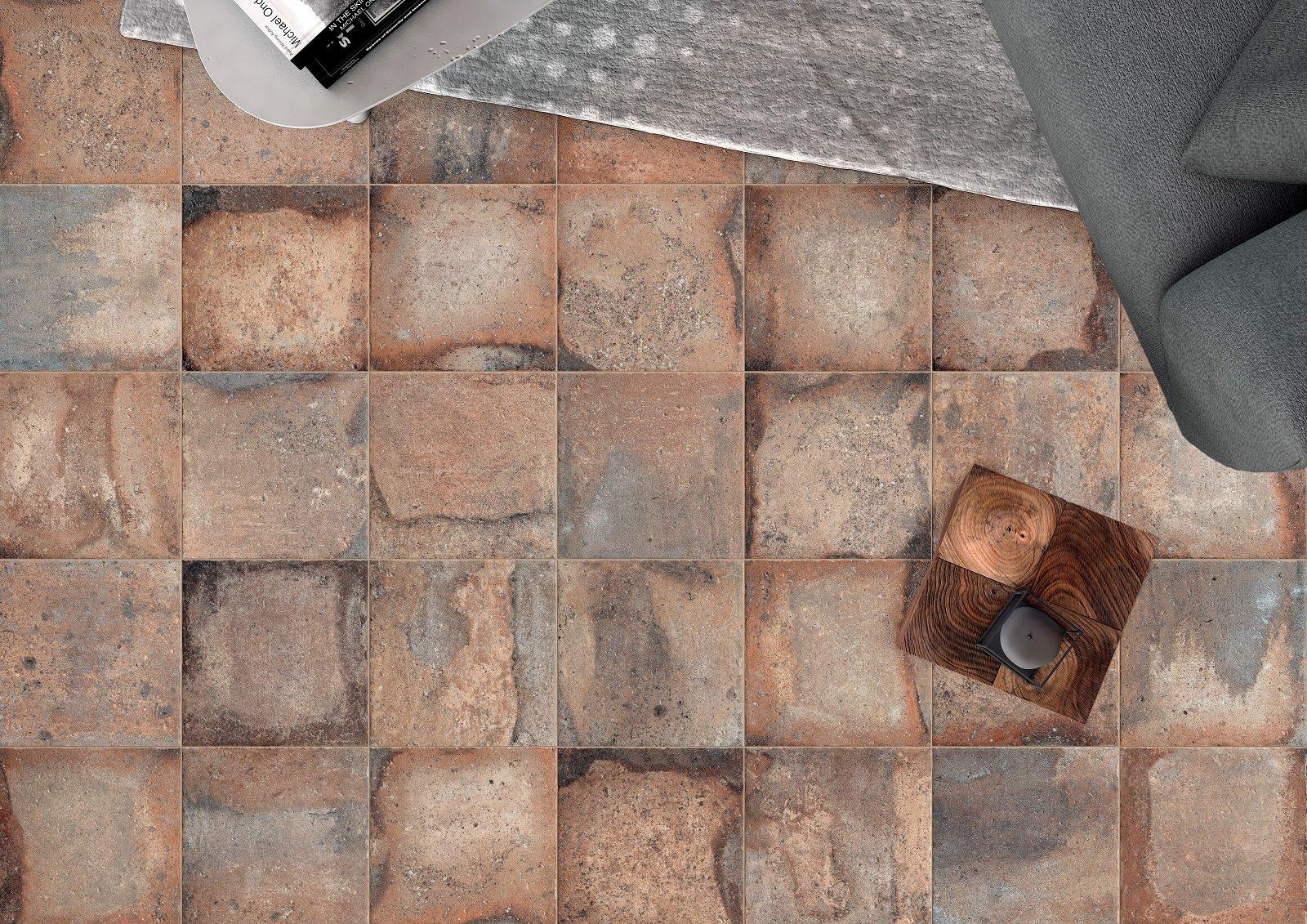 Pavimentazioni esterne piastrelle di piccolo o grande formato per