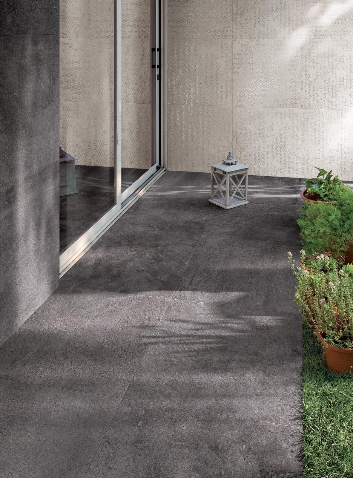 Pavimenti per l esterno effetto legno e pietra cose di casa - Piastrelle di pietra per esterni ...