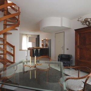 Pareti e soffitto bianchi per un effetto di maggiore ampiezza e luce - Cose di Casa