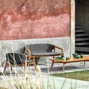 Collezione Knit di Ethimo in teak e tessuto tecnico. www.ethimo.com
