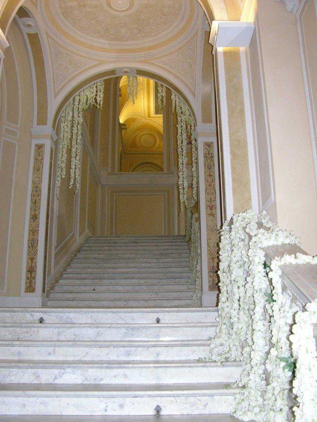 Lo-scalone-monumentale-che-porta-al-piano-nobile
