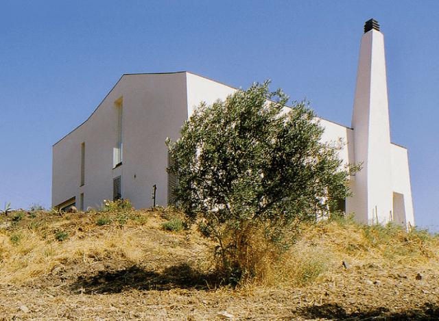 Atmosfere mediterranee per il restauro conservativo di un for Velux motorizzato