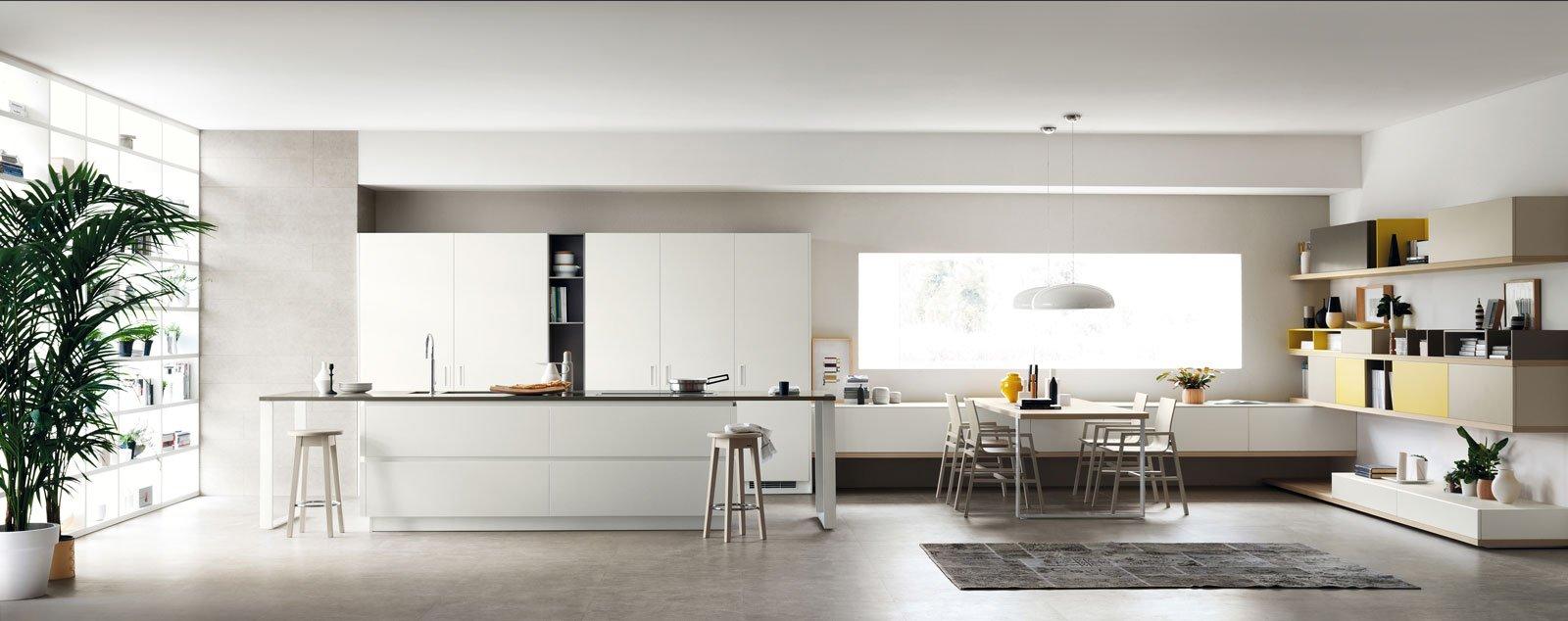 Cucine con zona pranzo la contemporaneit di una for Case moderne interni cucine