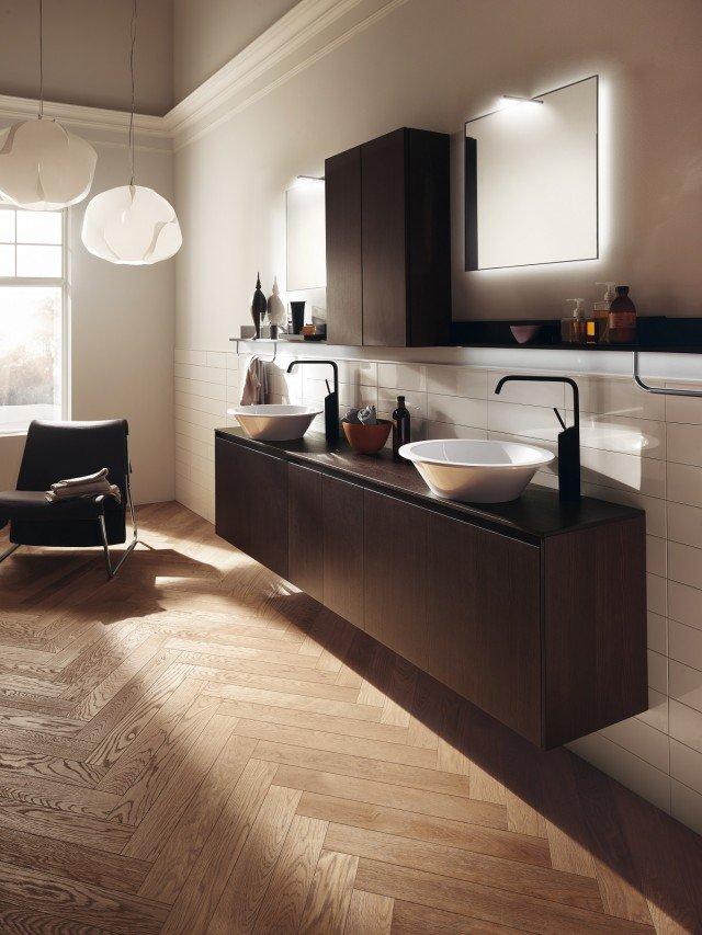 Ha forma di bacinella il lavabo d'appoggio Bowl per la serie Rivo di Scavolini Bathrooms. È realizzato in Mineralmarmo e misura ø 43 cm. Prezzo su richiesta.www.scavolini.com