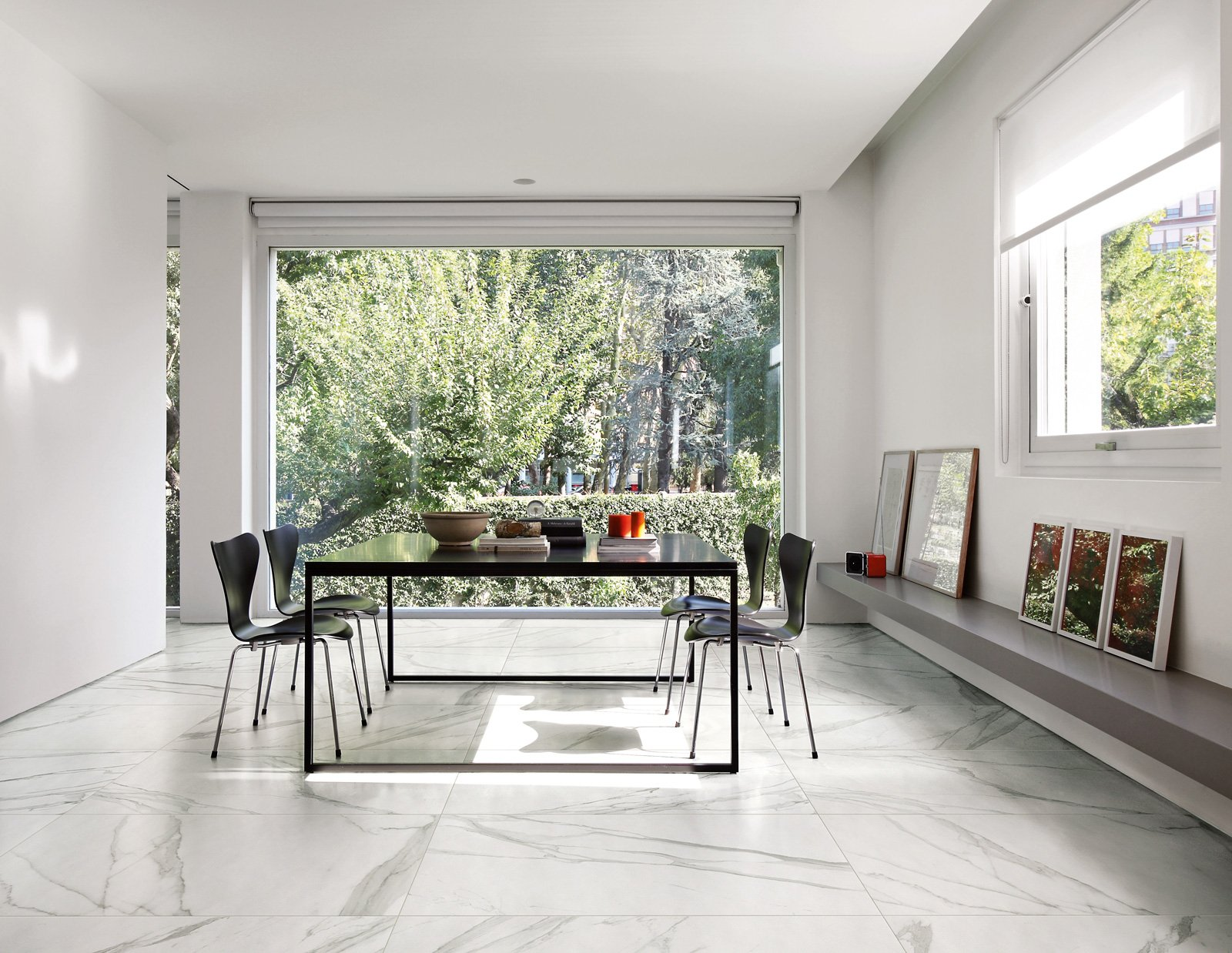 Piastrelle in gres scegliere il fascino eterno del marmo for Grandi pavimenti del garage