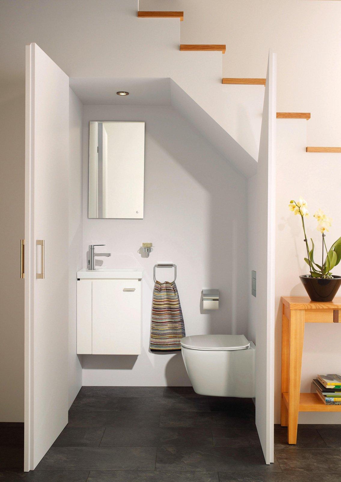 bagno con lavamani connect space di ideal standard da 45 cm versione sinistra