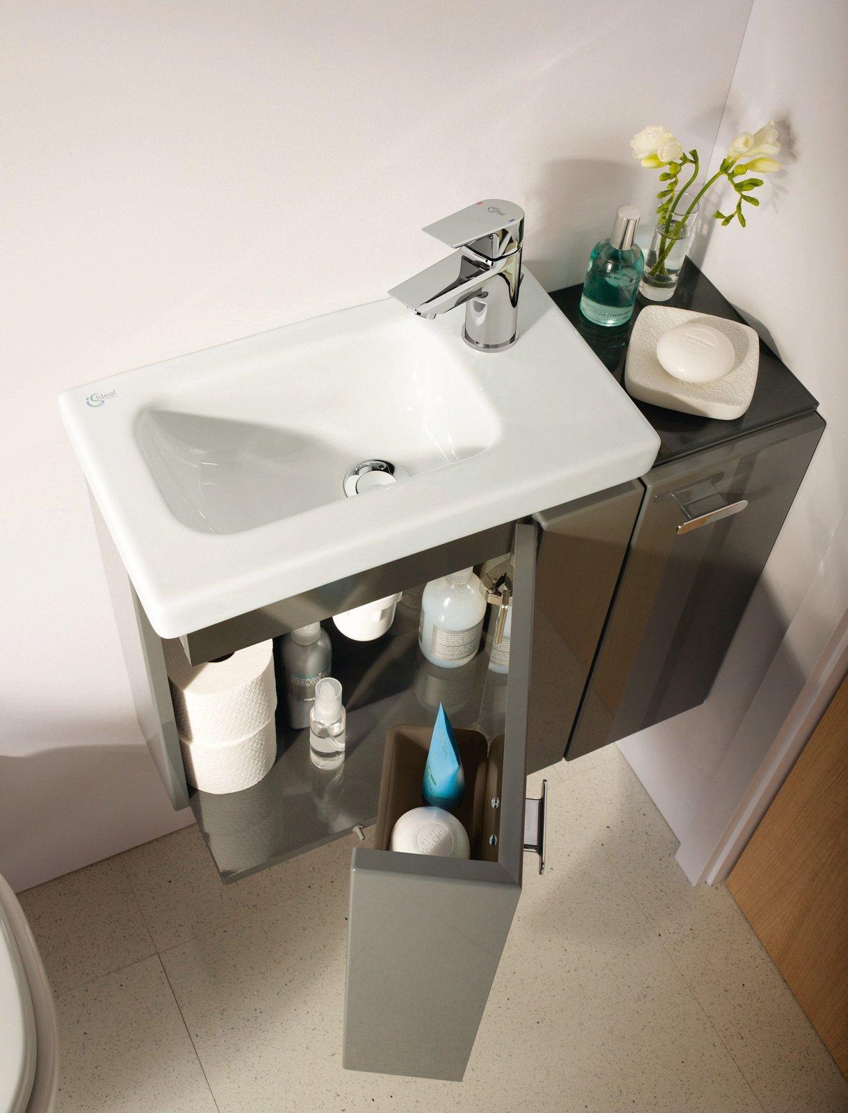 Per il bagno design e stile per spazi piccoli cose di casa - Mobiletto bagno da appendere ...