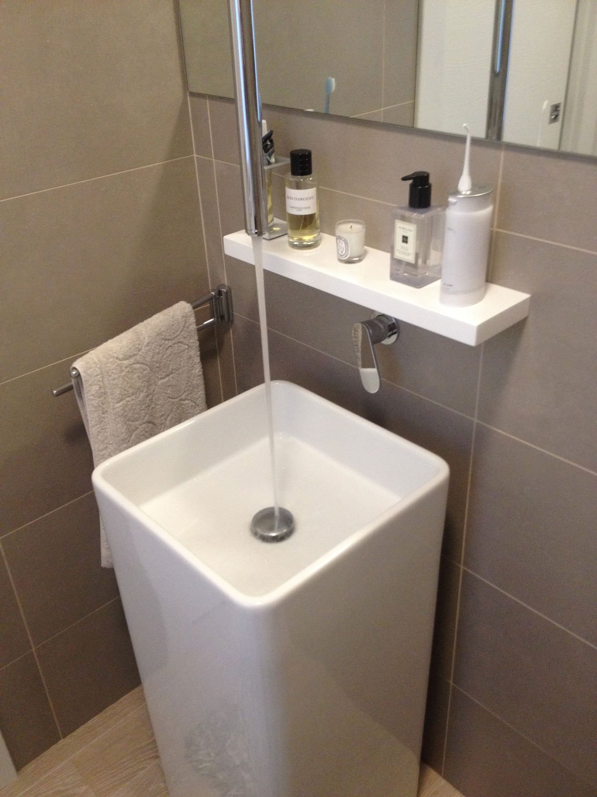 Collegare Cucina E Soggiorno : Da bilocale grande con un bagno a trilocale due bagni