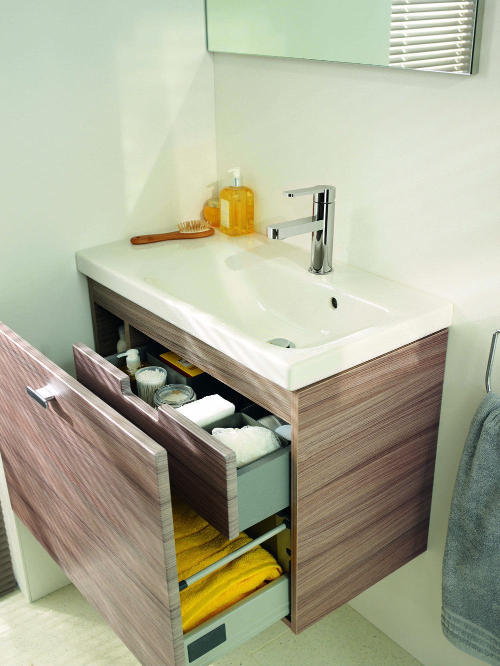 Per il bagno design e stile per spazi piccoli cose di casa - Mobile bagno sottolavabo ...